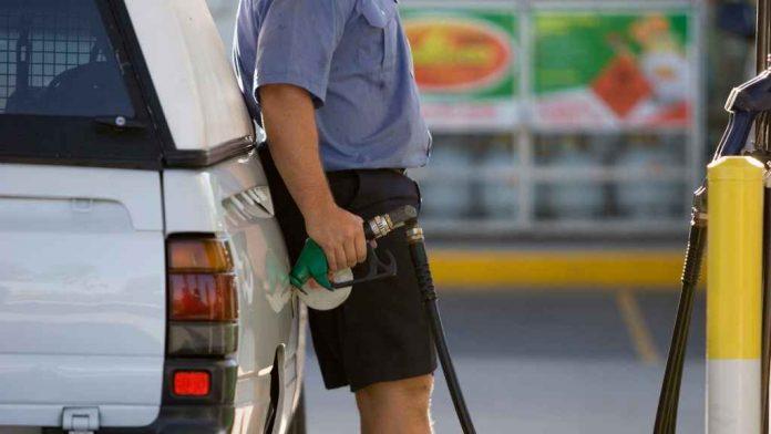 se ieftinesc combustibilii