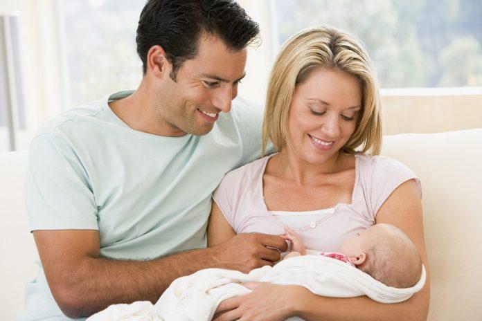 Pot beneficia părinţii de scutire pentru copilul născut